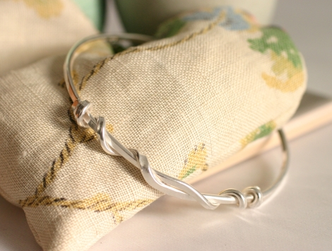 handmade silver knot bangle